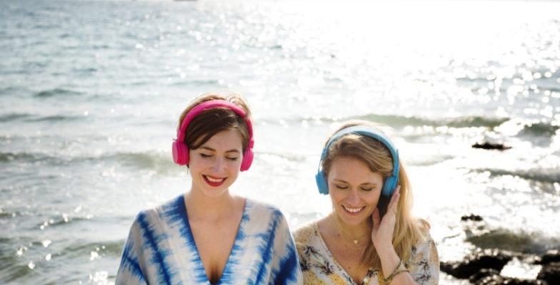 5 Gründe warum Audio Sprachkurse besser sind als andere Lernmethoden Frauen